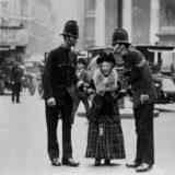Почему в Англии полиция не носит оружие