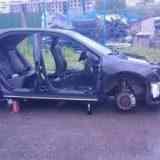 Жительница Хабаровска, вернувшись из кинотеатра, нашла свой автомобиль в разобранном состояние